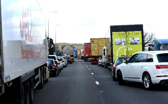 TRAFFIC: Accident on M25