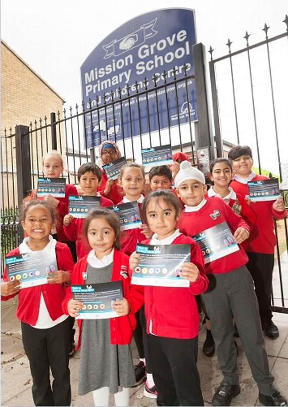 Parents and pupils at Walthamstow primary school spurn cars and buses for walk to school week